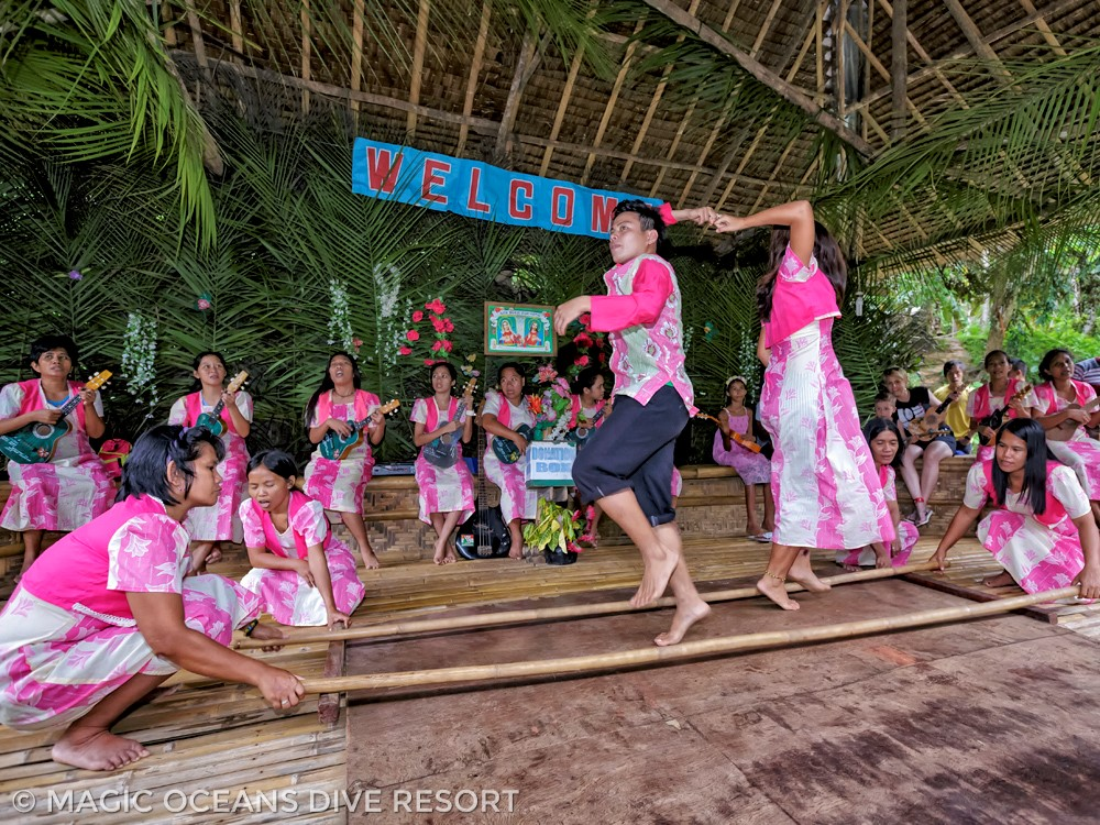 Cultural dans in Bohol Philippines